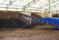 完熟戻し堆肥との混合作業